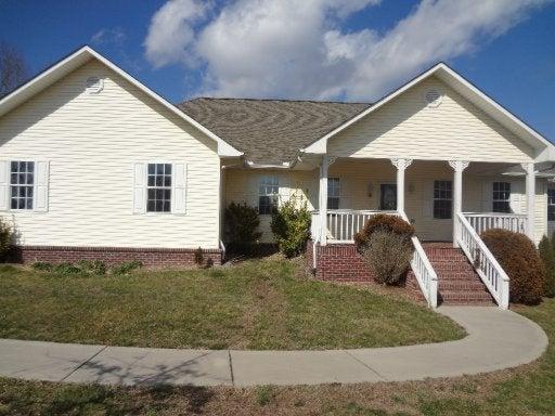 233 Collins Farm Rd, Rockwood, TN 37854