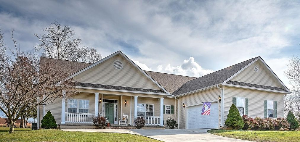 Welcome to 129 Edata Trail. Located on a level lot with a lovely front porch and a rolling vista view, this is one level living at it's best!