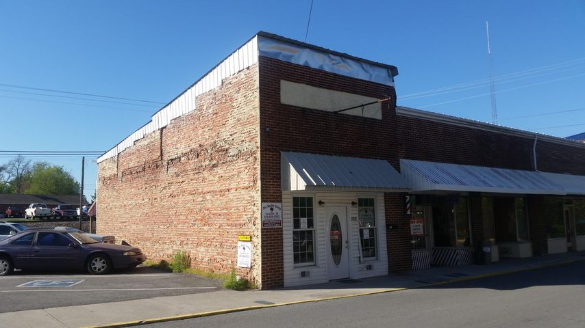 109 Main Street New Tazewell, TN.