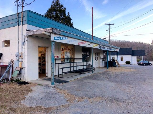 904 W Tri County Blvd Blvd, Oliver Springs, TN 37840