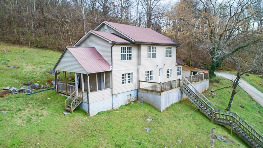 3070 Dug Gap Rd, Louisville, TN 37777