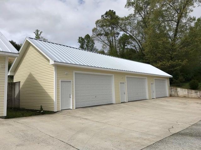 N Deer Hill Village Lane, Lafollette, TN 37766