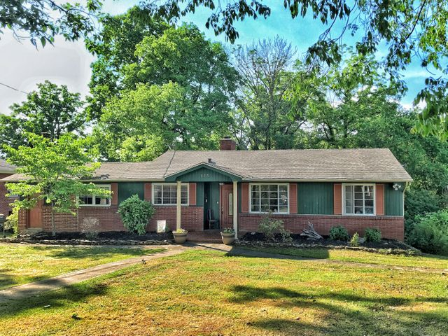 225 W Ford Valley Rd, Knoxville, TN 37920