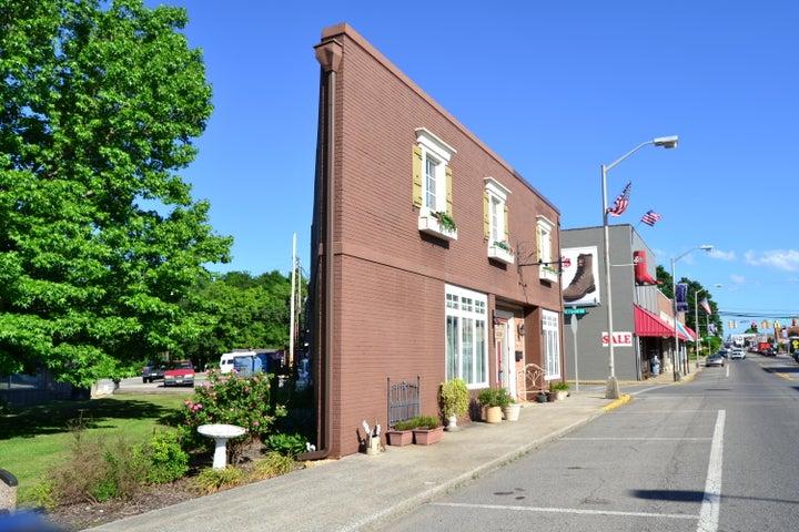 96 N Main St, Crossville, TN 38555