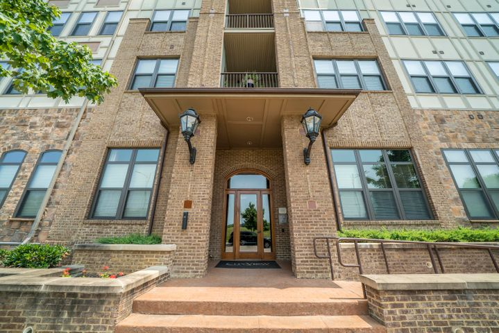 445 W Blount Ave, Apt 517, Knoxville, TN 37920