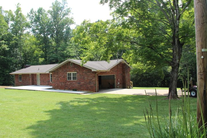 136 County Road 671, Athens, TN 37303