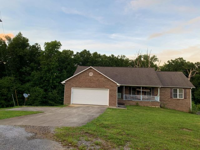 106 Chestnut Oak Rd, Crossville, TN 38571