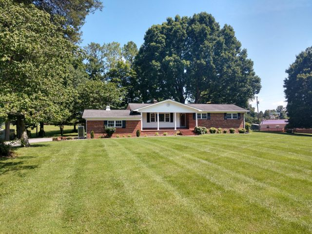 1503 Old Knoxville Rd, Tazewell, TN 37879