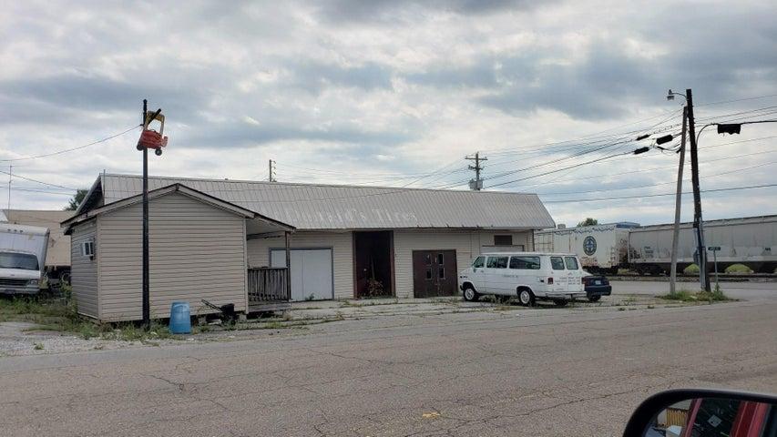 198 S C St, Lenoir City, TN 37771