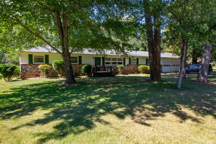 321 Land Oak Road, Knoxville, TN 37922