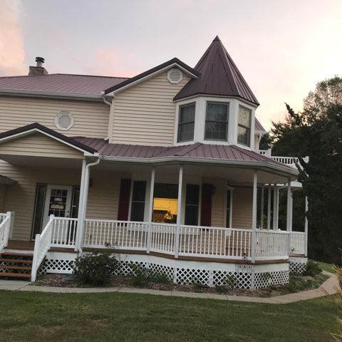 174 Gravely Valley Rd, Surgoinsville, TN 37873