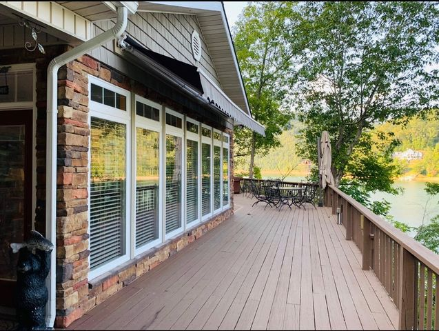 Beautiful lakefront one-level home on Norris Lake!