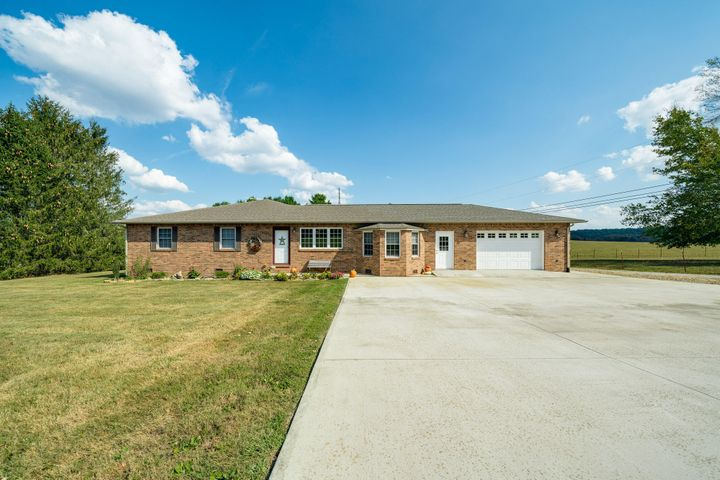 1113 Old Mail Rd, Crossville, TN 38555