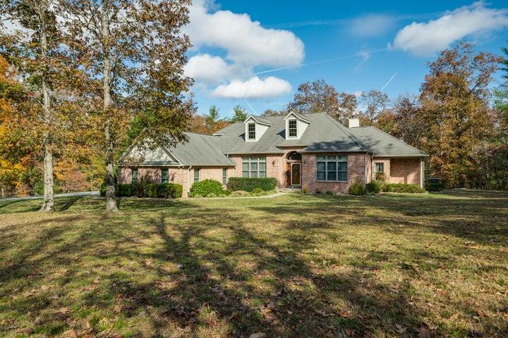 160 Basses Creek Lane, Crossville, TN 38572