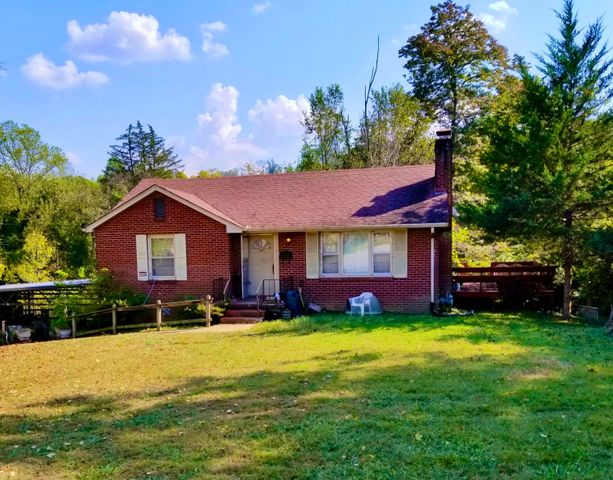 414 W Ford Valley Rd, Knoxville, TN 37920