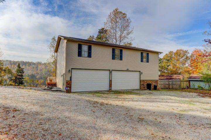 257 Clear Lake Drive, Jacksboro, TN 37757