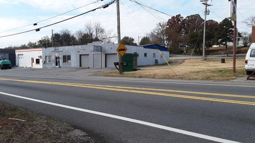 2621 E Broadway Ave, Maryville, TN 37804