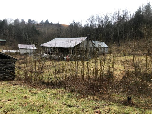 2256 Homeplace Rd, Rose Hill, VA 24281
