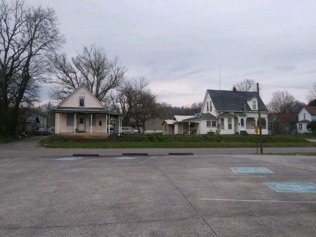 303 Carter Ave Ave, Harriman, TN 37748