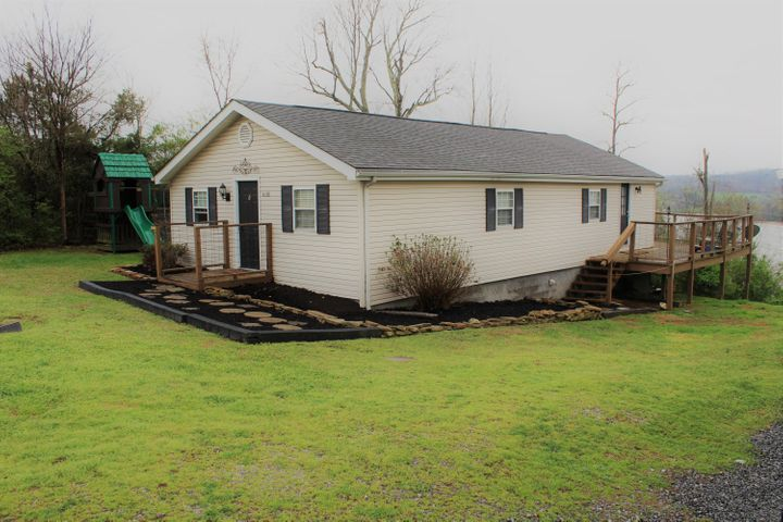 4139 Gravelly Hills Rd, Louisville, TN 37777