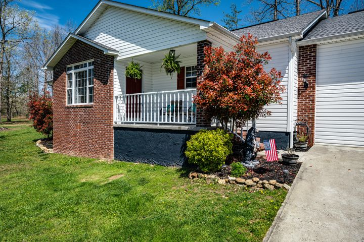 388 Grace Hill Drive, Crossville, TN 38571