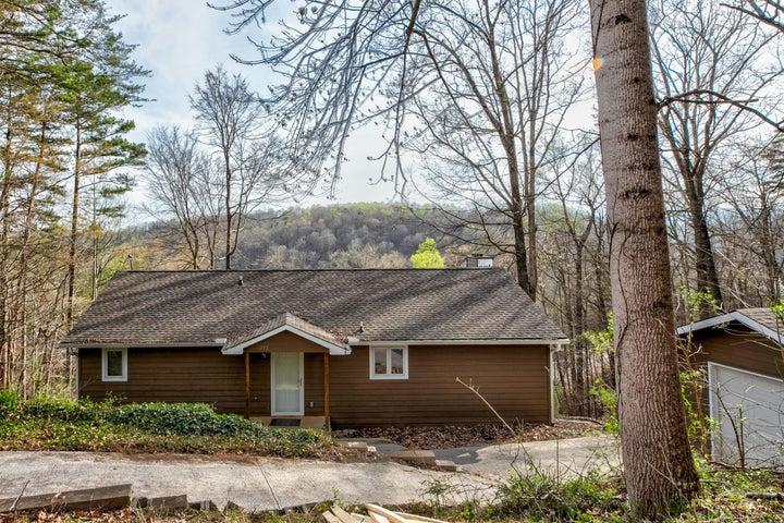 352 Indian Creek Rd, Jacksboro, TN 37757