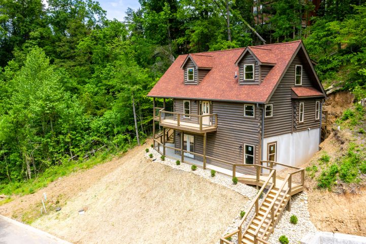 2937 Alpine Village Way, Pigeon Forge, TN 37863