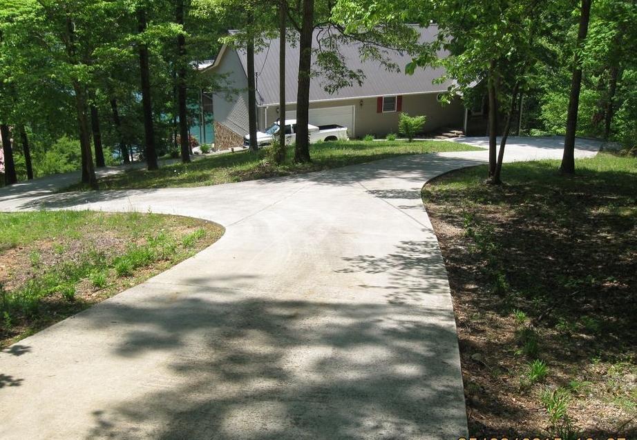 1421 Big Creek Rd, LaFollette, TN 37766