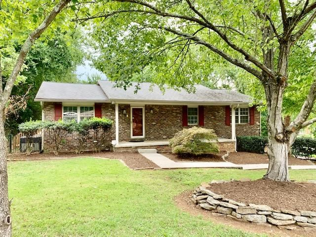 221 Pat Rd, Knoxville, TN 37922