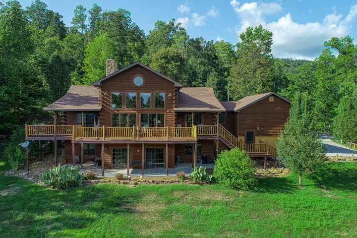 133 Hidden Springs Rd, New Tazewell, TN 37825