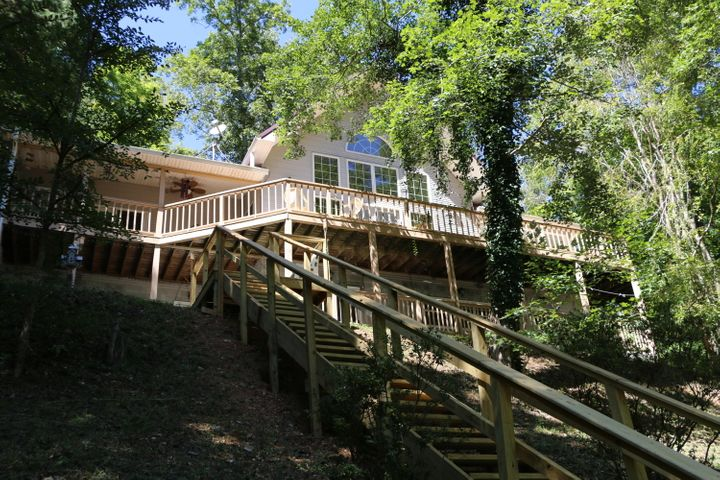 241 Bankwood Lane, LaFollette, TN 37766