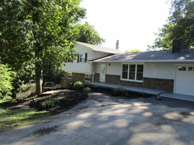 8808 Calderwood Rd, Knoxville, TN 37923