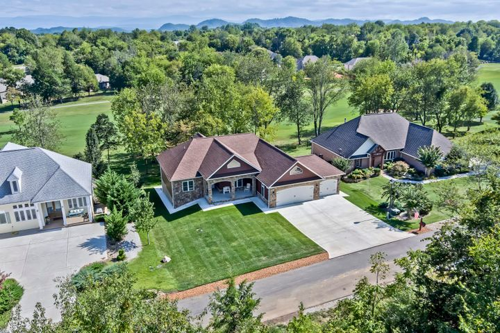 Immaculate Golf Front Home