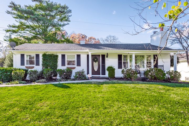 913 Green Hills Rd, Knoxville, TN 37919