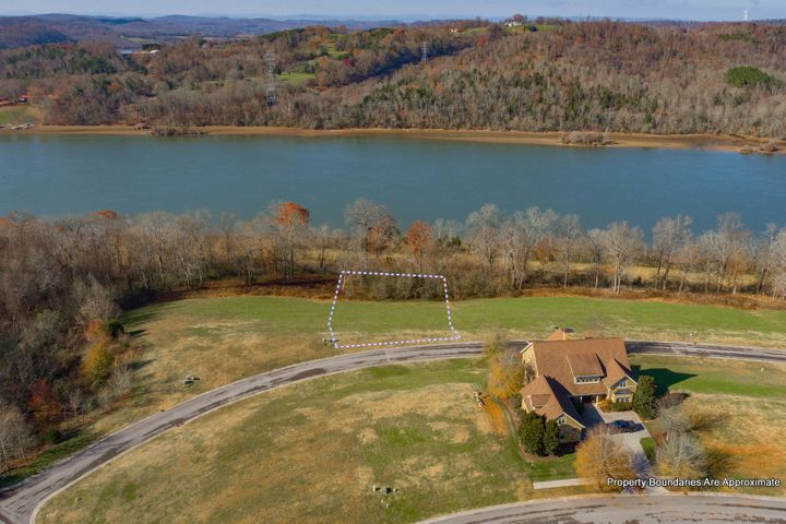 Superior Watts Bar Lake Front Walk-Out Basement Lot