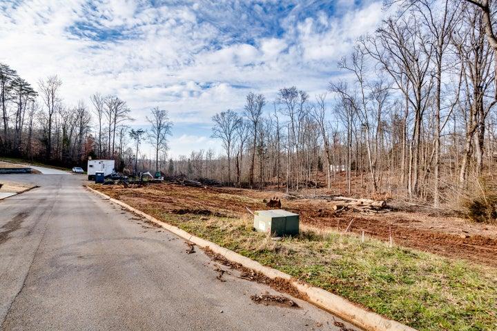 406 Robinson Drive, Loudon, TN 37774