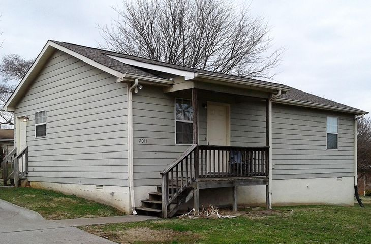 2011 NE CLAY St, Knoxville, TN 37917
