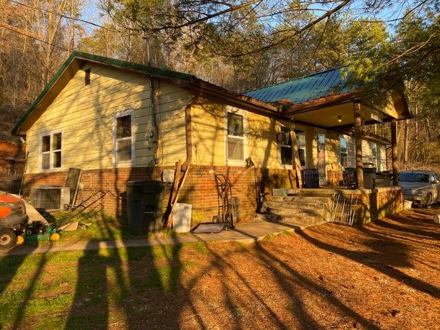 508 Chumley Rd, New Tazewell, TN 37825