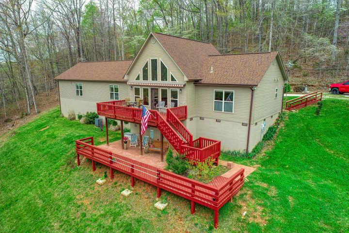 298 Mariner Lane, LaFollette, TN 37766