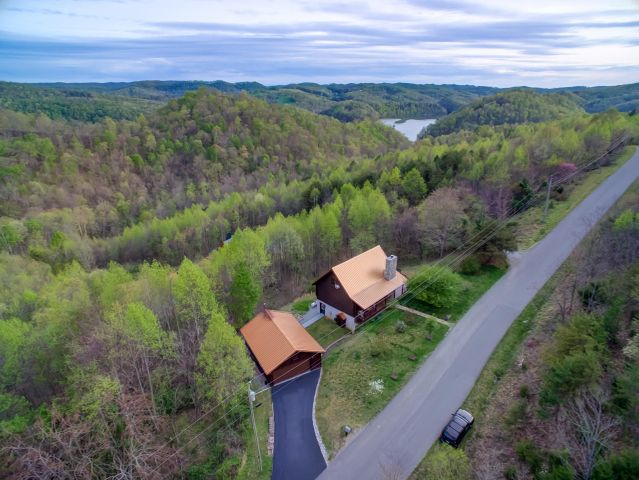 1603 Whistle Valley Rd, New Tazewell, TN 37825