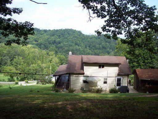 1 1/2 story cottage on top of a hill with amazing views!