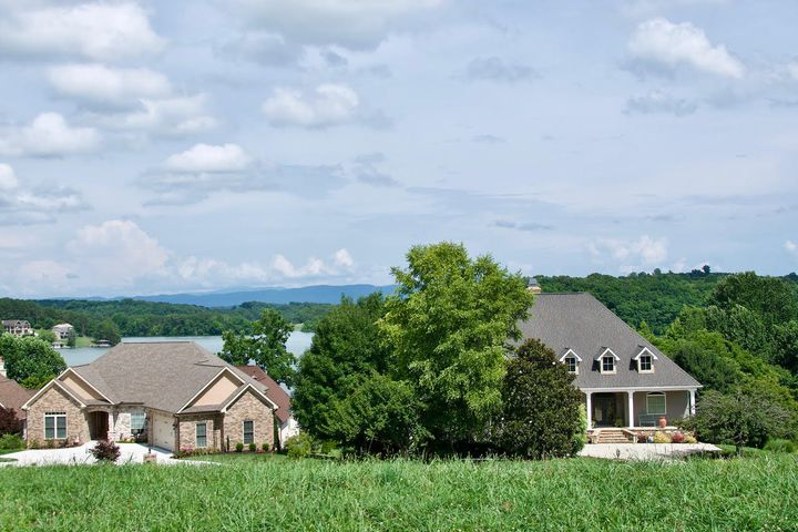260 Whippoorwill Drive, Vonore, TN 37885