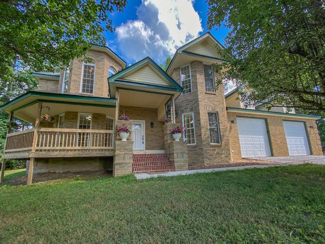 423 Arthur Seagraves Rd, Pleasant Hill, TN 38578