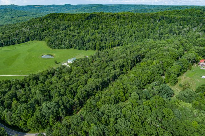 8613 Rocky Point Rd, Cookeville, TN 38506