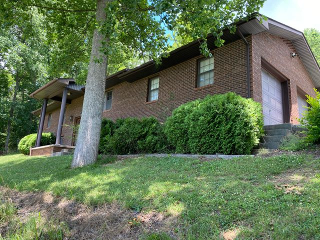 1376 Chumley Rd, New Tazewell, TN 37825