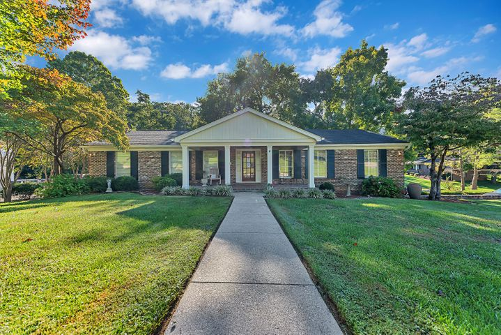 8020 NW Lennox Drive, Knoxville, TN 37909