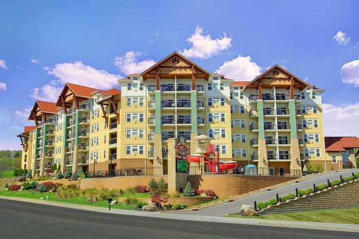 Beautiful condo centrally located in the heart of Pigeon Forge with gorgeous MOUNTAIN VIEWS. This Luxurious condo comes fully furnished with a large open floor plan, granite countertops, gas log fireplace, and large windows with lots of natural lighting. This Condo offers lots of onsite Amenities including: Outdoor pool with Lazy River and Water-slide, Fitness Center, Meeting Areas, and much more! This is the PERFECT vacation home or successful rental investment.