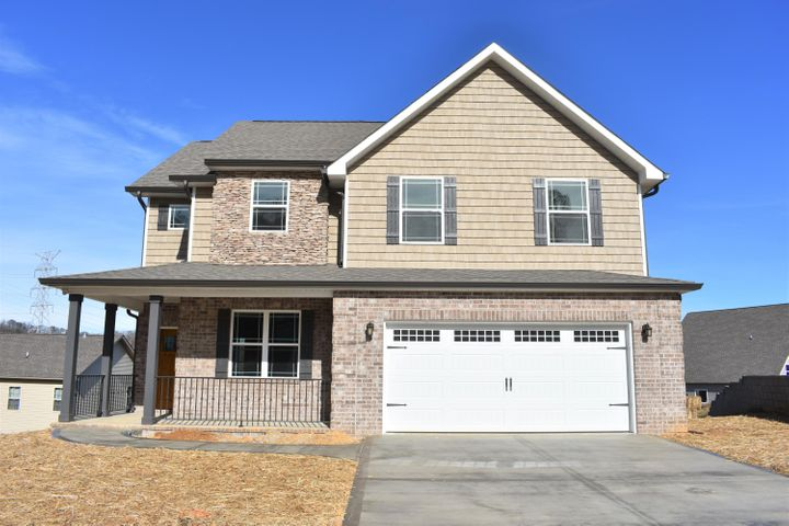 Don't miss out on this opportunity for a lovely new construction in the Stratford Park Subdivision. Custom built style. Charming kitchen with tiled backsplash and granite counter tops. Master HIS and HER closet, double vanities and a walk-in tiled shower. Plenty of natural light throughout, you must come see it!