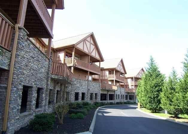 Gorgeous unit in Golf View Resort! This 2BR/2BA condo offers granite counter tops, fireplace in the living room, private deck, whirlpool tub, washer/ dryer, upscale furnishings, and a very nice view! Located about 5 minutes to Dollywood, next door to the Gatlinburg Golf Course, and convenient to most all area attractions. Catch the trolley from right out front! The HOA covers most utilities, exterior maintenance, swimming pools, and more. Offered at an excellent price!