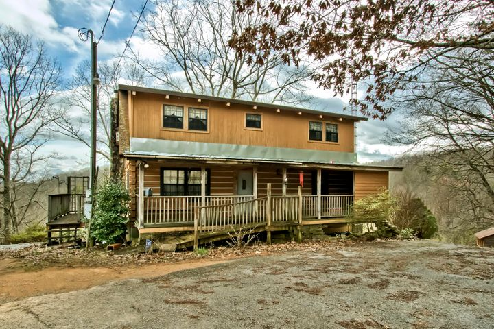 01_MountainViewRoad_1425_Front